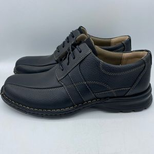 Clarks Espace Black Oily Leather Oxfords